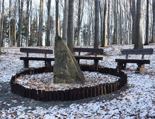 Památný kámen v Hájku